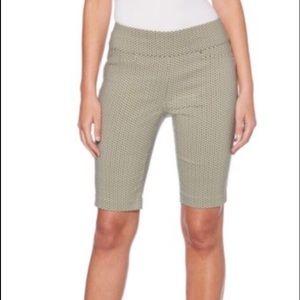 Rafaella shorts, black & white NWT